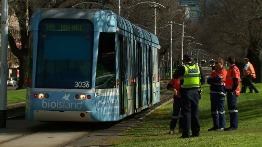Man critical after being struck by tram in Fitzroy