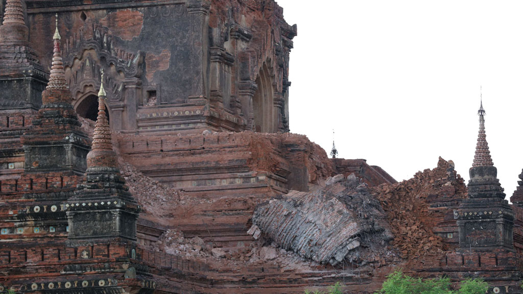Collapsed walls surround an ancient pagoda after a 6.8 magnitude earthquake hit Bagan on August 24, 2016. (AFP)