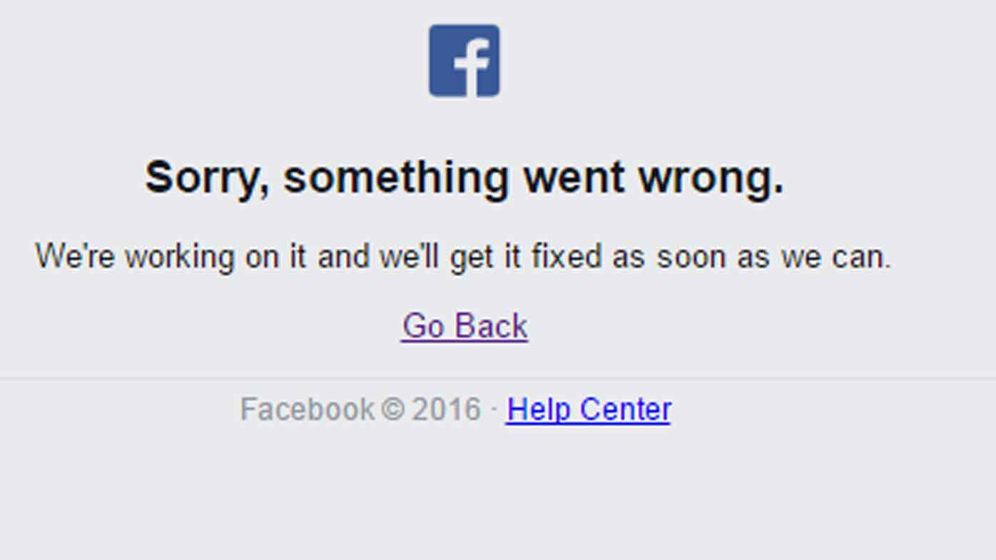 Facebook crashes worldwide for 15 minutes