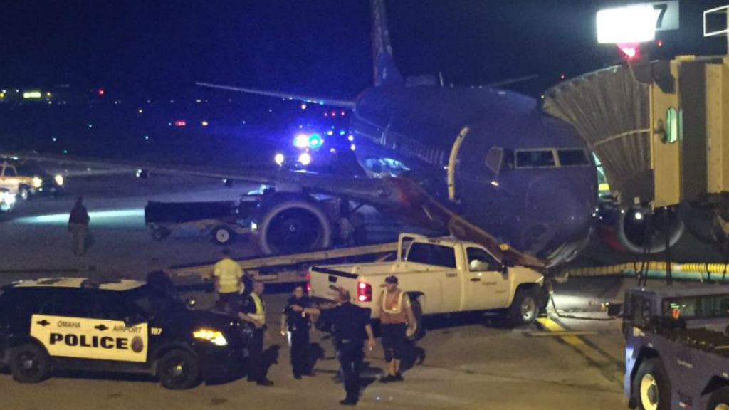 Man slams ute into plane on Nebraska airport tarmac