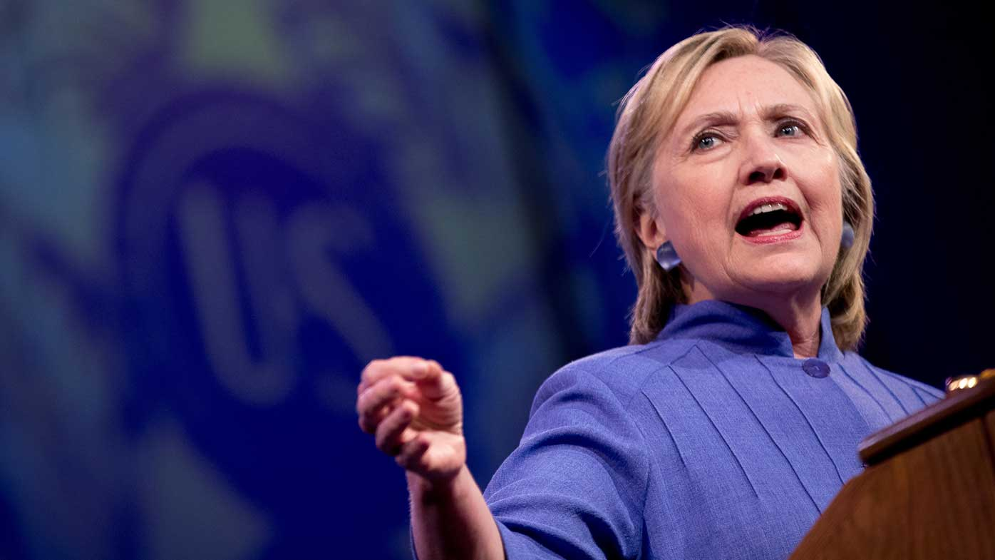 Clinton blames concussion for briefings memory loss