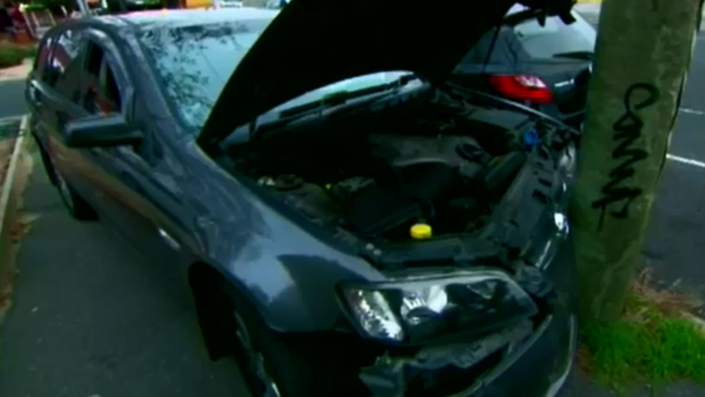 Five people on the run after police car hit by stolen car in Northcote