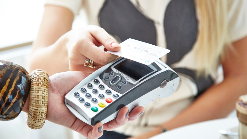 Contactless credit cards have been been blamed for an increase of theft in South Australia. (AAP)