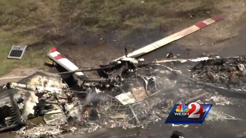 Authorities are inspecting the helicopter wreckage in Palm Bay, Florida. (Wesh 2)