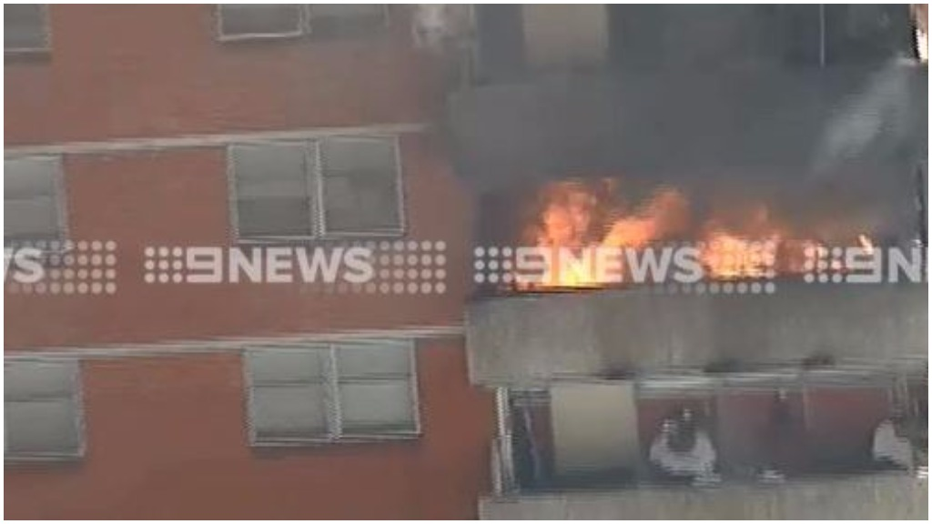 A man has been rescued from an apartment building on Nicholson Street in Carlton. (9NEWS)