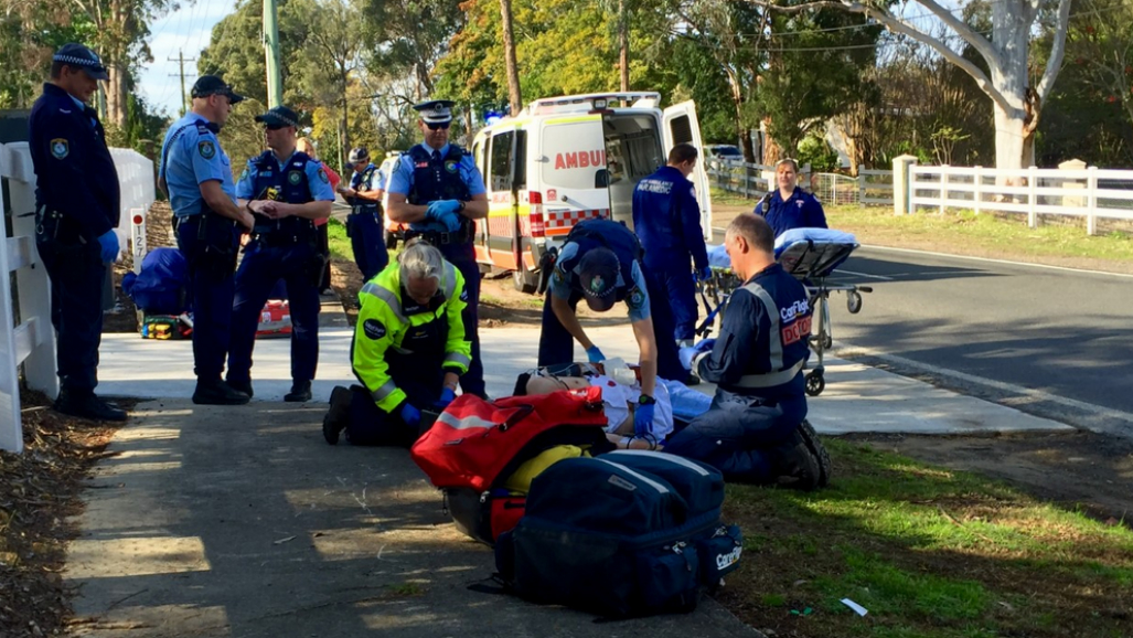 Tradie injured after being attacked by three dogs in Kenthurst