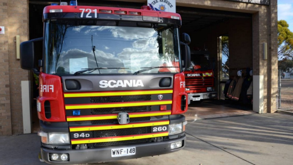 South Australia's fire trucks are set to receive cutting-edge tablets to assist with communication. (MFS/Twitter)