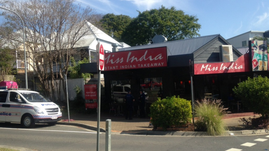 Man armed with knives robs restaurant in Brisbane