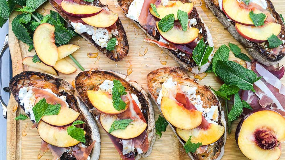 Ricotta black pepper crostini prosciutto peach