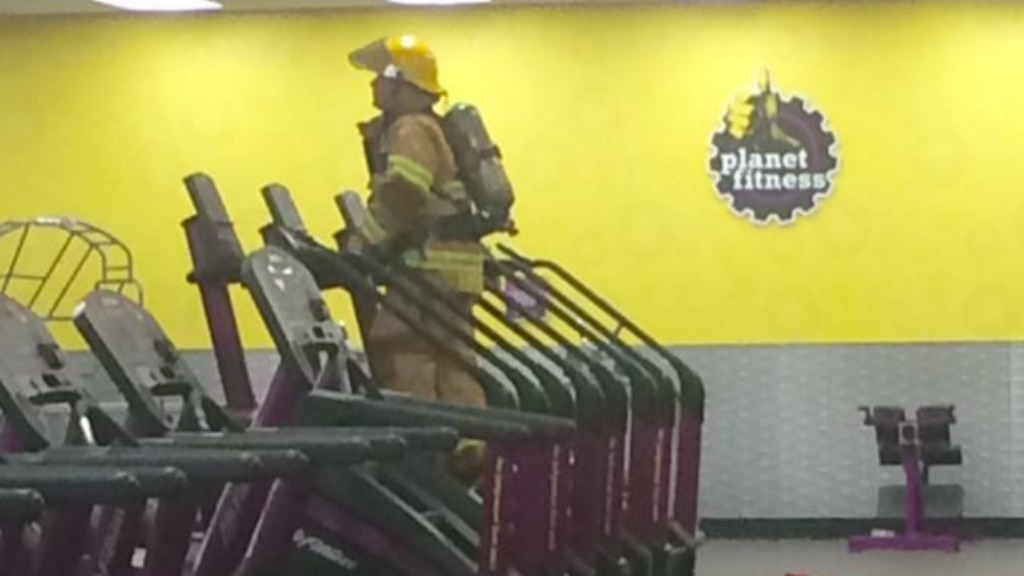 US firefighter uses gym stair climber to honour 9/11 victims