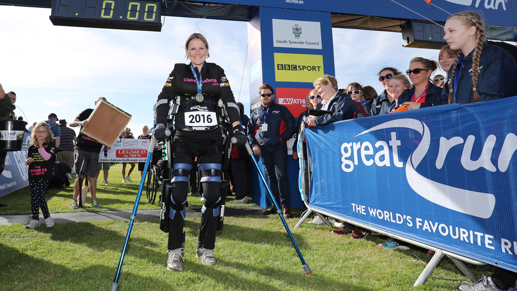 Paralysed pregnant woman completes English half-marathon in 'bionic' suit