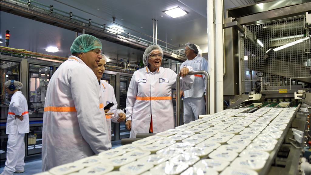 Murray Goulburn raises milk price