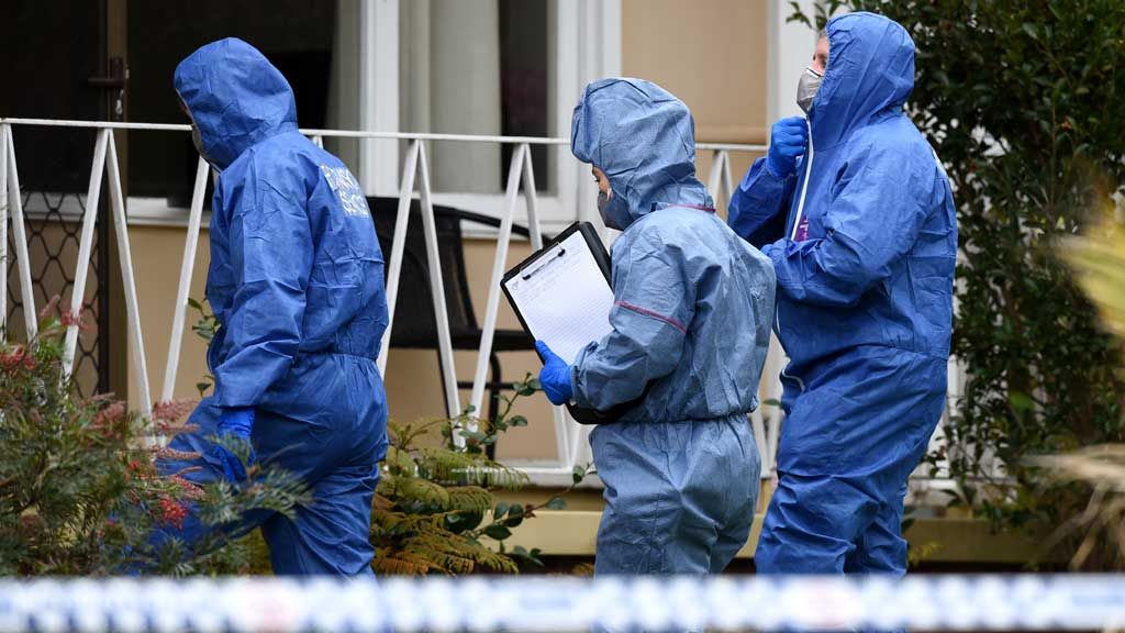 Forensic services police officers at the home. (AAP)