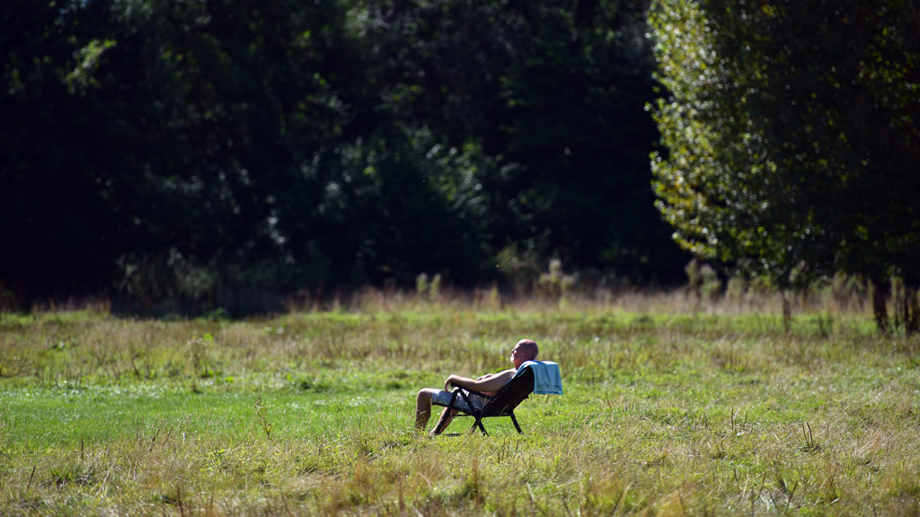 Brits swelter as temperatures soar to 100-year high