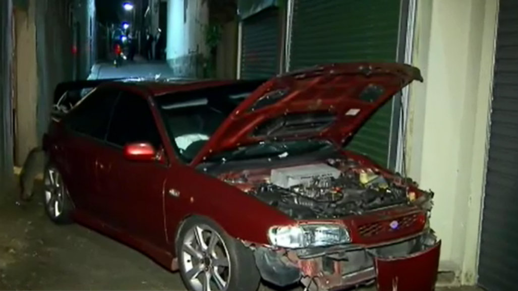Alleged drink-driver rammed police car and crashed into wall in Surry Hills
