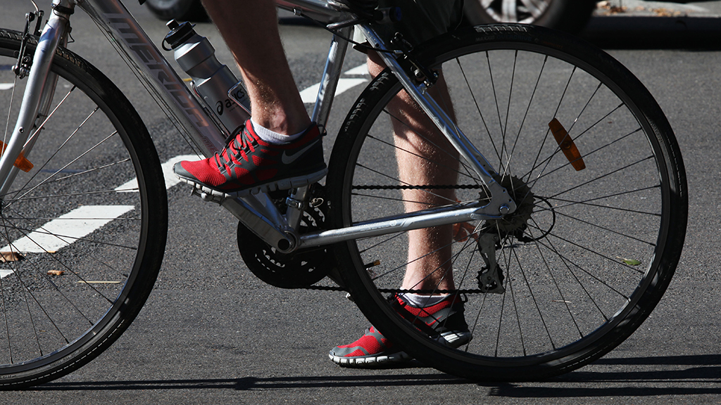 Cyclists may be forced to wear high-vis gear by council in Adelaide