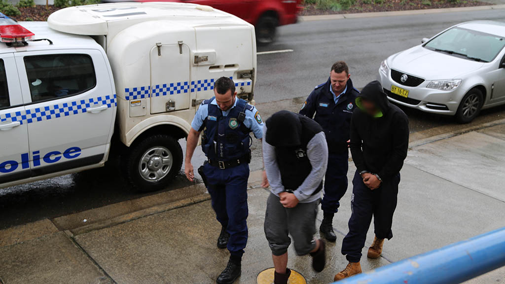 Nine arrested in NSW and ACT in $100,000 ice bust