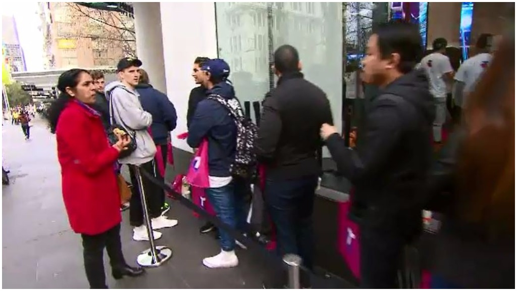 Some iPhone fans were left empty handed. (9NEWS)