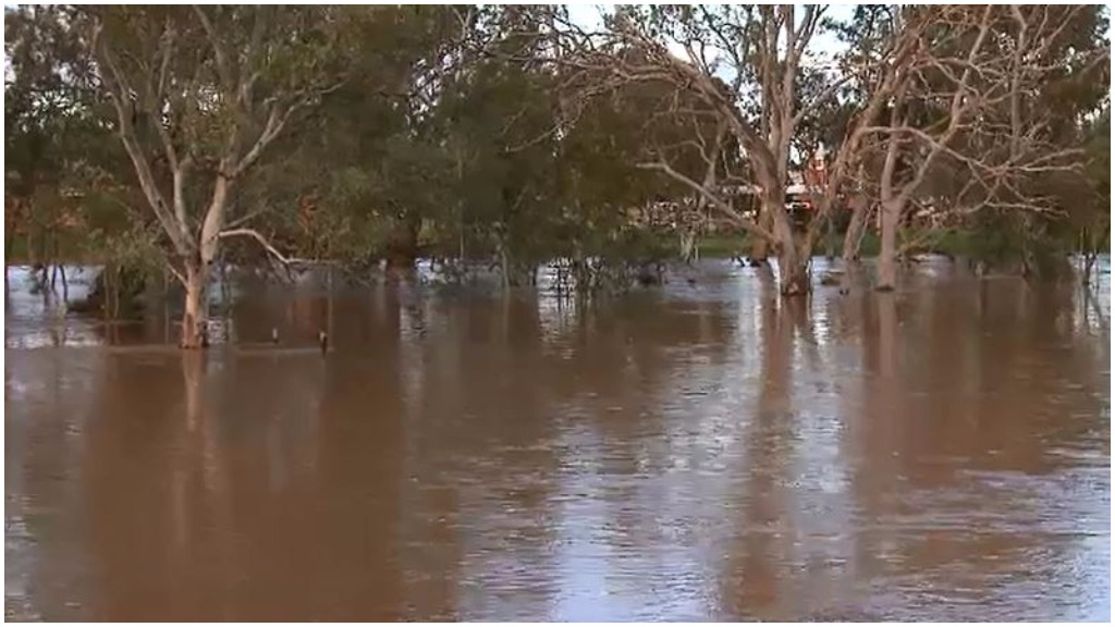 Homes could be flooded in three Vic towns