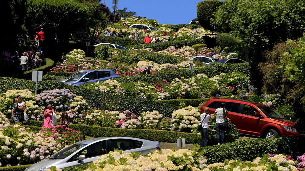 San Franciscos famous Lombard Street is so popular it  : 160920ElsewhereLombard2 from elsewhere.nine.com.au size 1024 x 576 jpeg 280kB