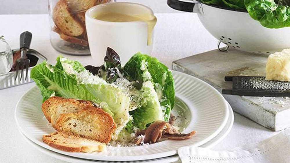 <strong>Caesar salad</strong>