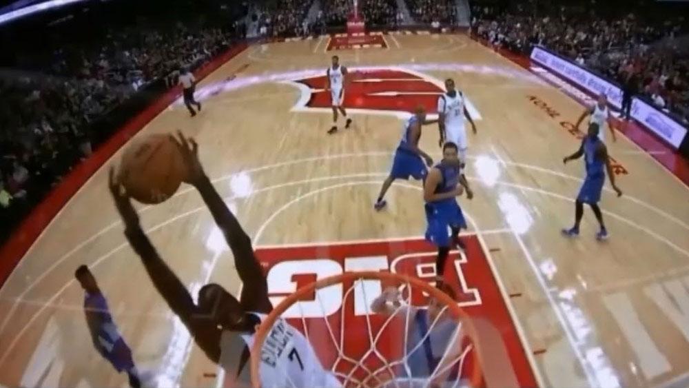 NBA: Maker makes pre-season debut with vicious dunk