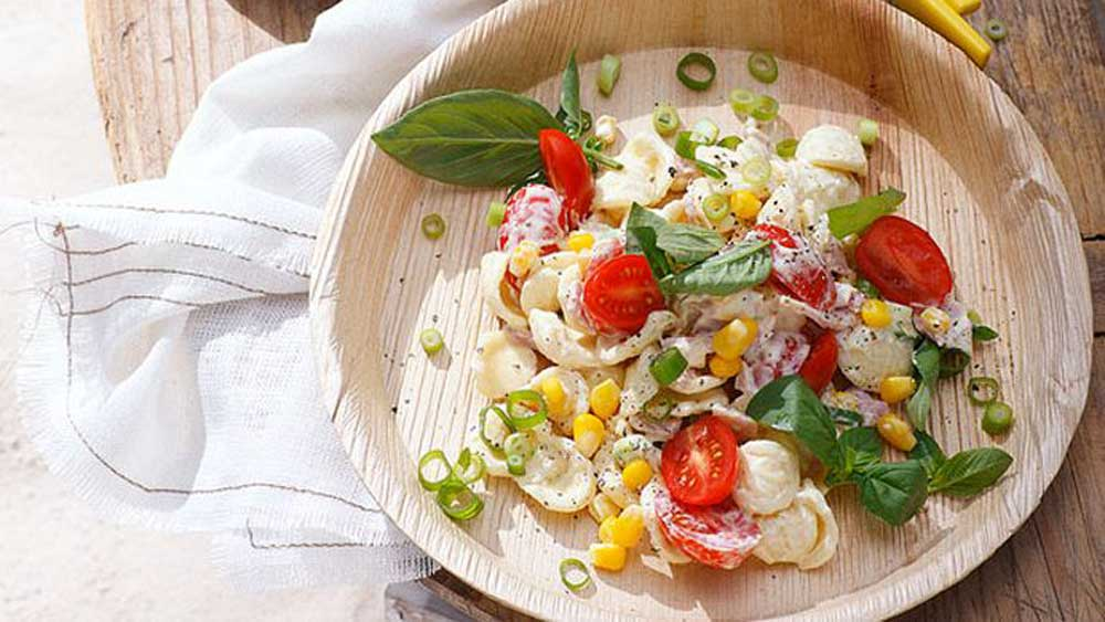 Julie Goodwin's bacon, tomato and basil pasta salad
