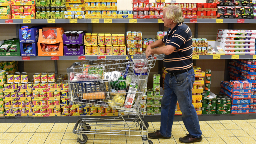 A pensioner shops on the Gold Coast. (AAP)