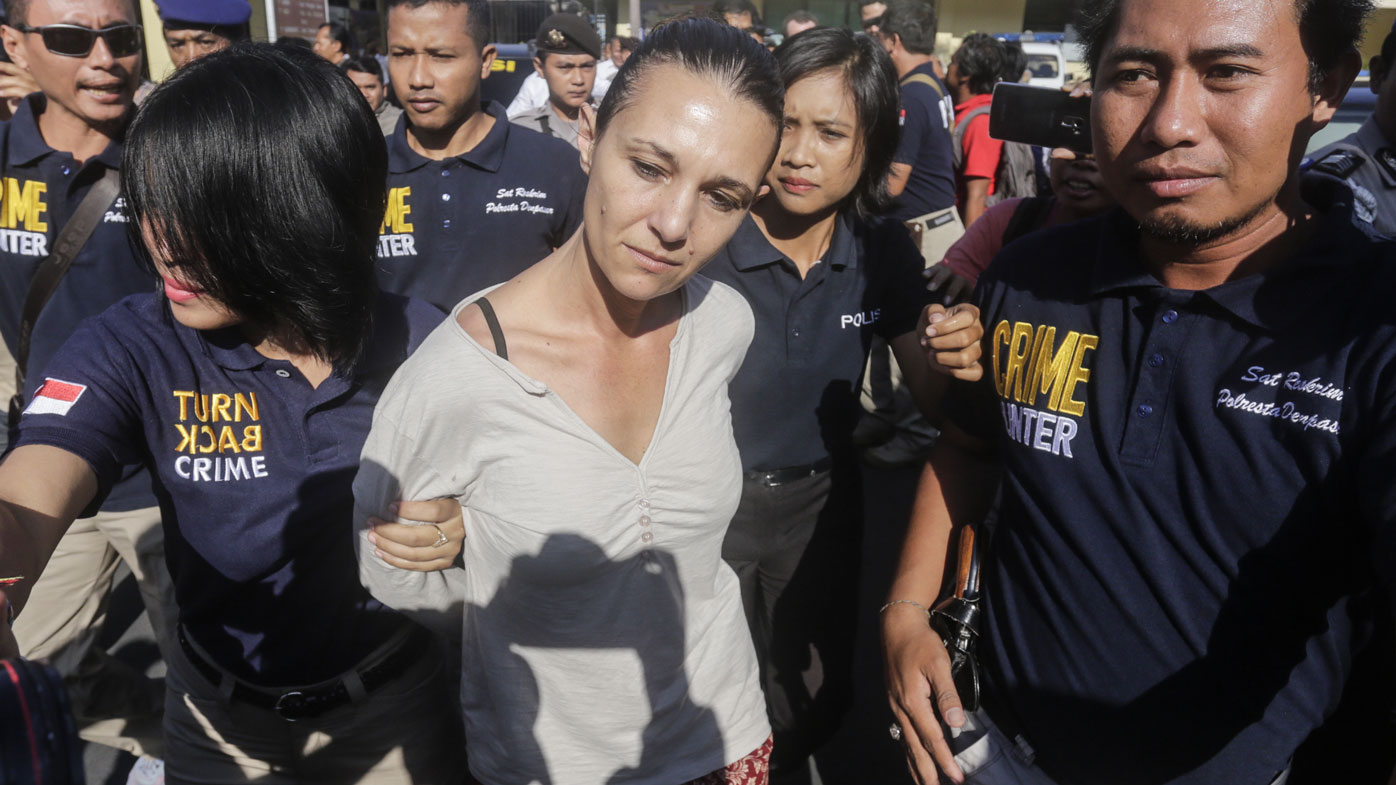 Byron Bay woman Sara Connor taken to Kerobokan prison after being handed over to prosecutors