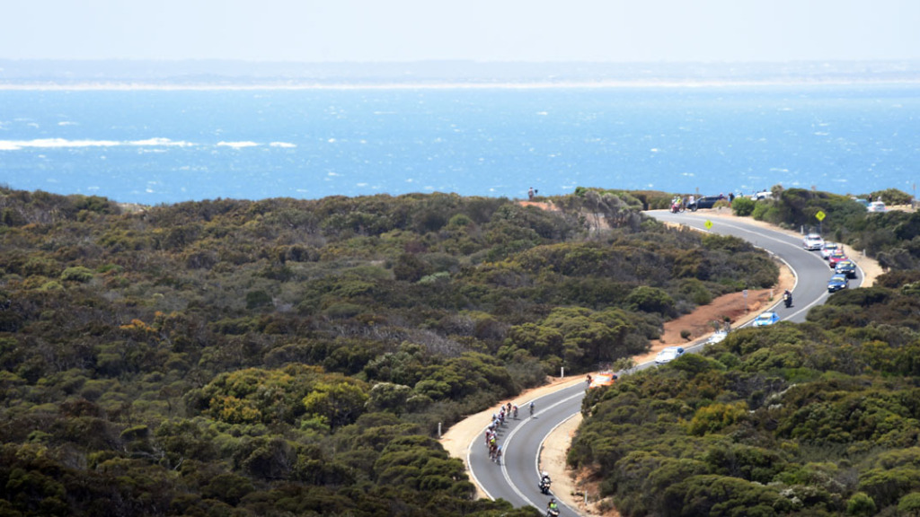 Great Ocean Road will 're-open as soon as possible,' Victorian Premier says