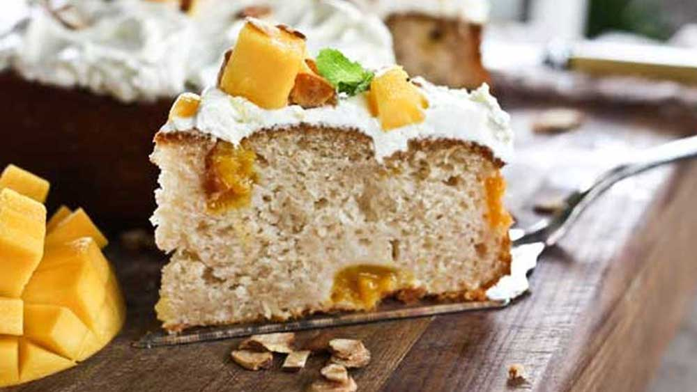 Mango and yoghurt cake