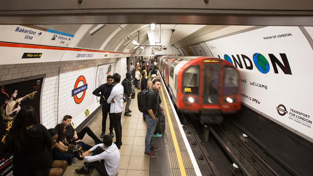 Man arrested in London over suspicious metro package