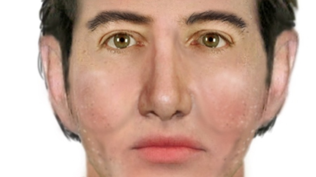 Man smelling of raw meat sought after Melbourne tram assault