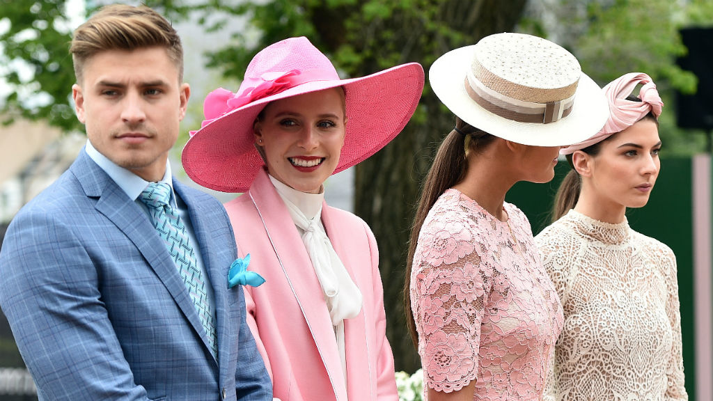 Melbourne Cup launches in carnival fashion