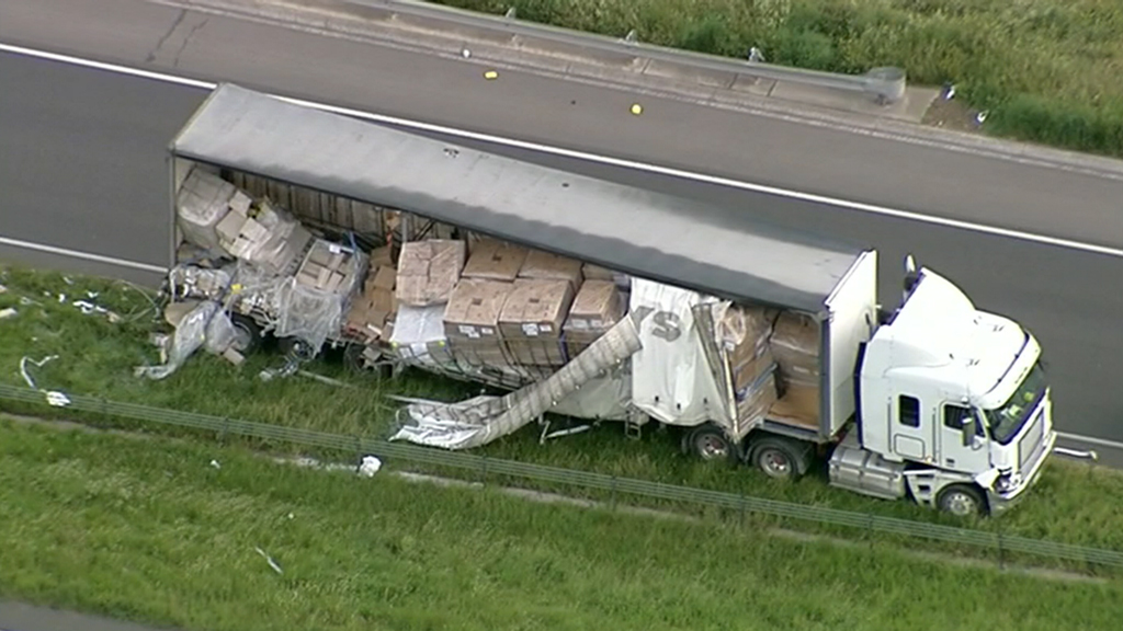 The toilet paper fell out of the truck around 6am. (9NEWS)