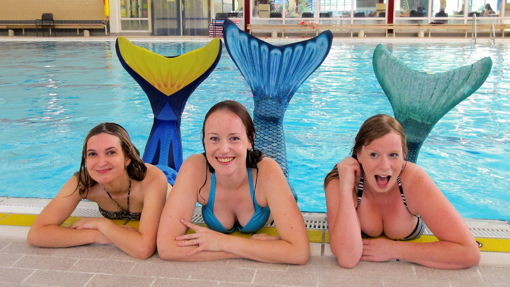 Professional mermaid school opens as fantasy craze makes waves in Europe