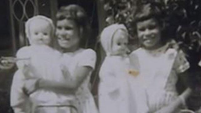 The Roberts' sisters as children growing up in Lismore. (Screenshot Creative Spirits/Ivan Sen)