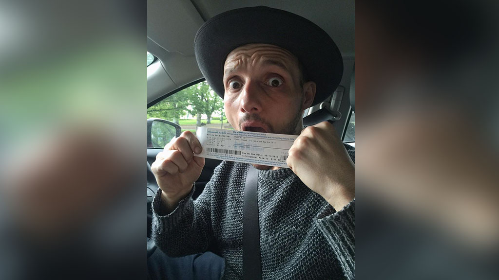 Melbourne photographer asks mayor to donate parking fine to charity