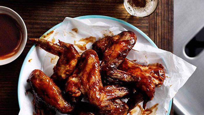 "<a href=""http://kitchen.nine.com.au/2016/05/13/13/59/easypeasy-chinese-chicken-wings"" target=""_top"">Easy-peasy Chinese chicken wings<br> <br> </a>"