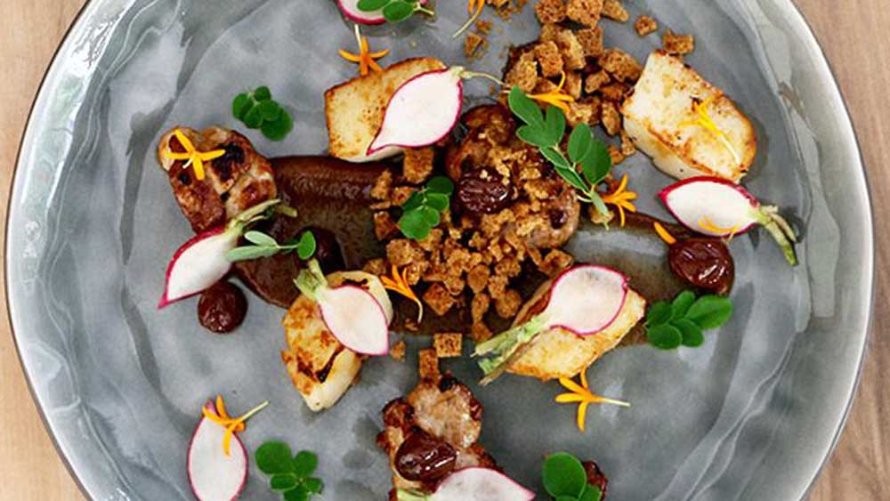 """<a href=""""http://kitchen.nine.com.au/2016/05/05/09/49/spencer-patricks-maltroasted-scallops-and-veal-sweetbreads"""" target=""""_top"""">Spencer Patrick's malt-roasted scallops and veal sweetbreads</a>"""