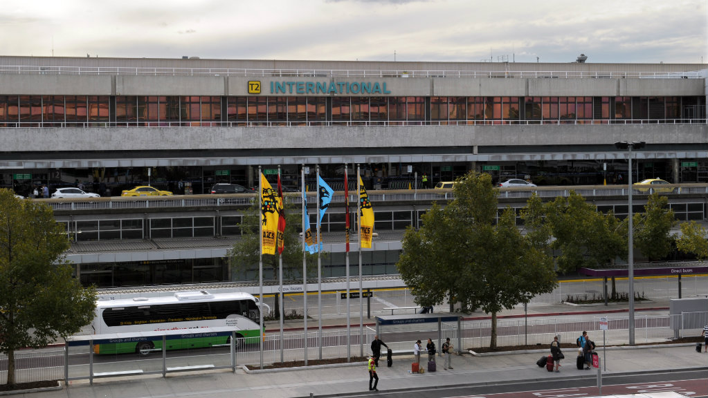 Flights diverted as Melbourne Airport rations fuel