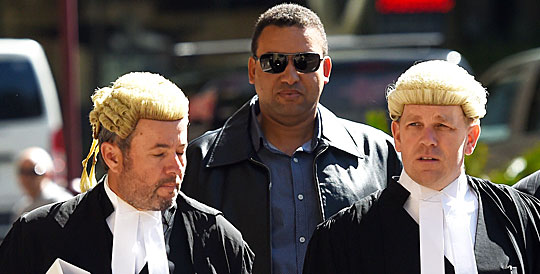 Brendan King (2nd left) arrives at the NSW Supreme Court in Sydney on October 18, 2016. (AAP)