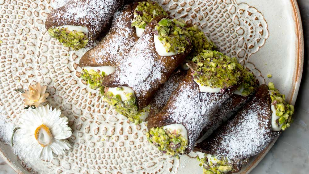 Cocoa cannoli with ricotta