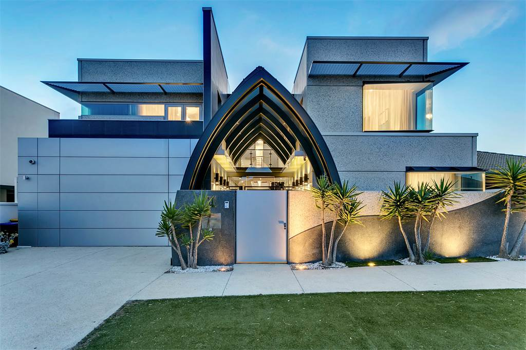 Australia 39 s best waterfront homes for sale right now for Landscape architect jobs adelaide