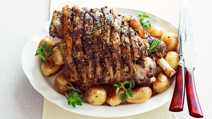 "<a href=""http://kitchen.nine.com.au/2016/05/16/12/27/greekstyle-roast-lamb-with-potatoes"" target=""_top"">Greek-style roast lamb with potatoes<br> </a>"