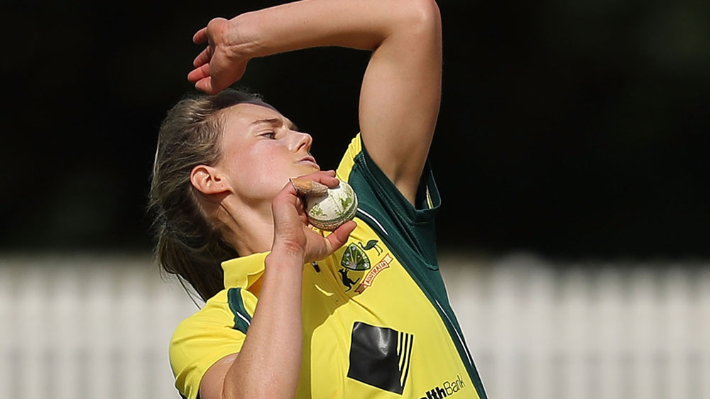Ellyse Perry helped restrict South Africa to 226. (Getty Images)