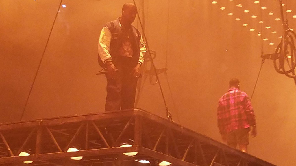 Kanye West storms off US stage after long-winded rant