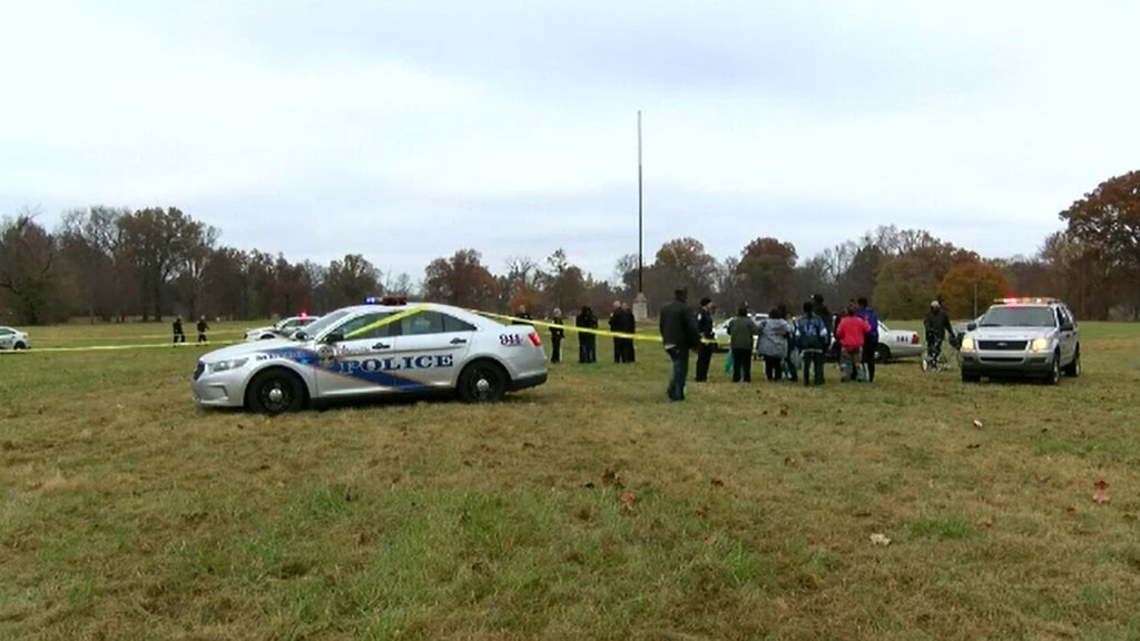 Two dead, four injured after shooting at Thanksgiving football game in Kentucky