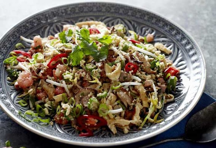 "<a href=""http://kitchen.nine.com.au/2016/05/20/11/08/cauliflower-fried-rice"" target=""_top"">Cauliflower fried rice</a><br> <br> <a href=""http://kitchen.nine.com.au/2016/06/06/22/24/healthier-lowercarb-alternatives-to-your-favourite-sides"" target=""_top"">More healthier alternatives to your favourite sides</a>"