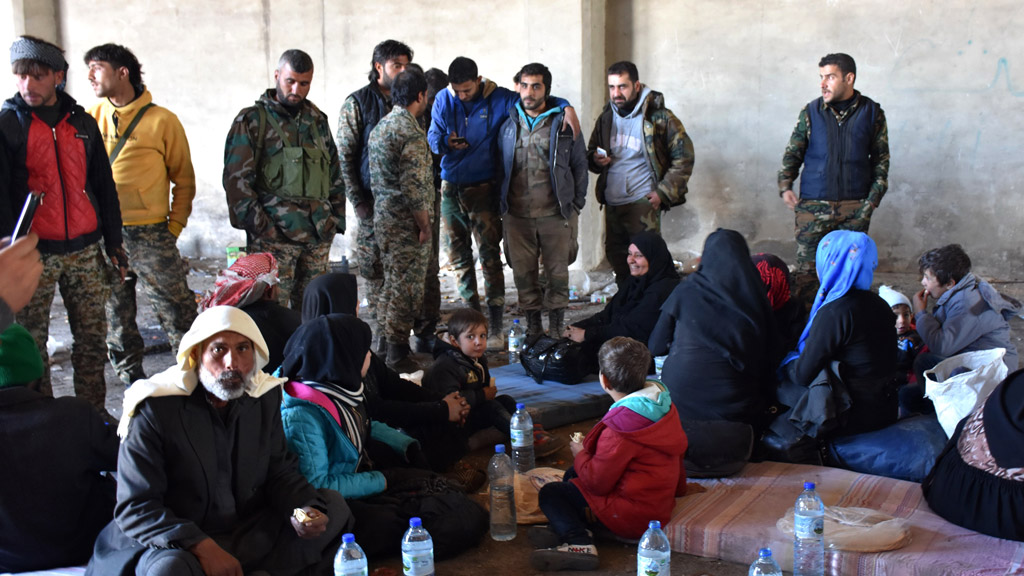 More than 4000 flee as Syria regime advances into east Aleppo